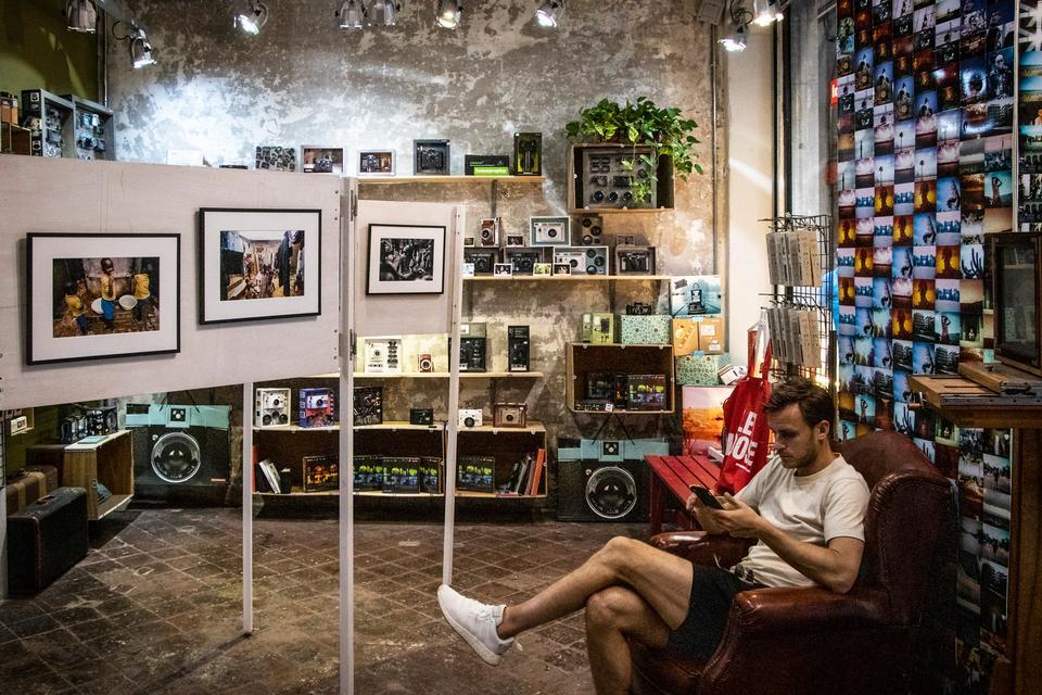 Alternativ shopping i Barcelonas snævre gader - Politiken